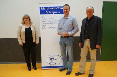 Carmen Fütterer und Stefan Seibert mit Preisträger Bachmeier